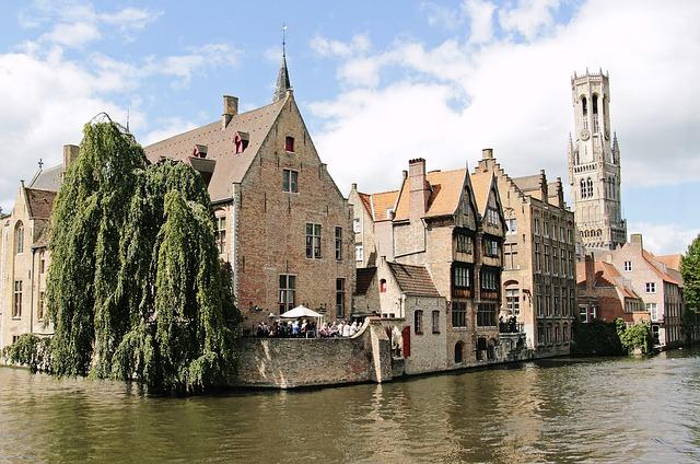 solo female travel destinations Bruges Brugge Belgium